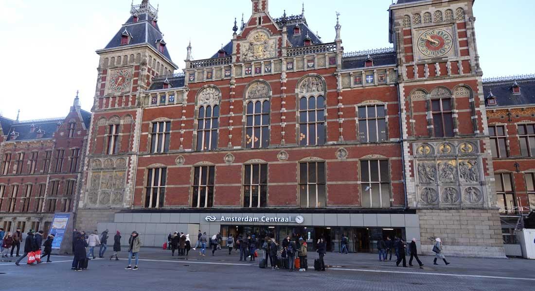 Amsterdam : Deux blessés graves lors d'une attaque au couteau à la gare