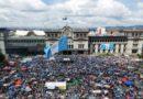 Corruption au Guatemala: des manifestants demandent le départ du président