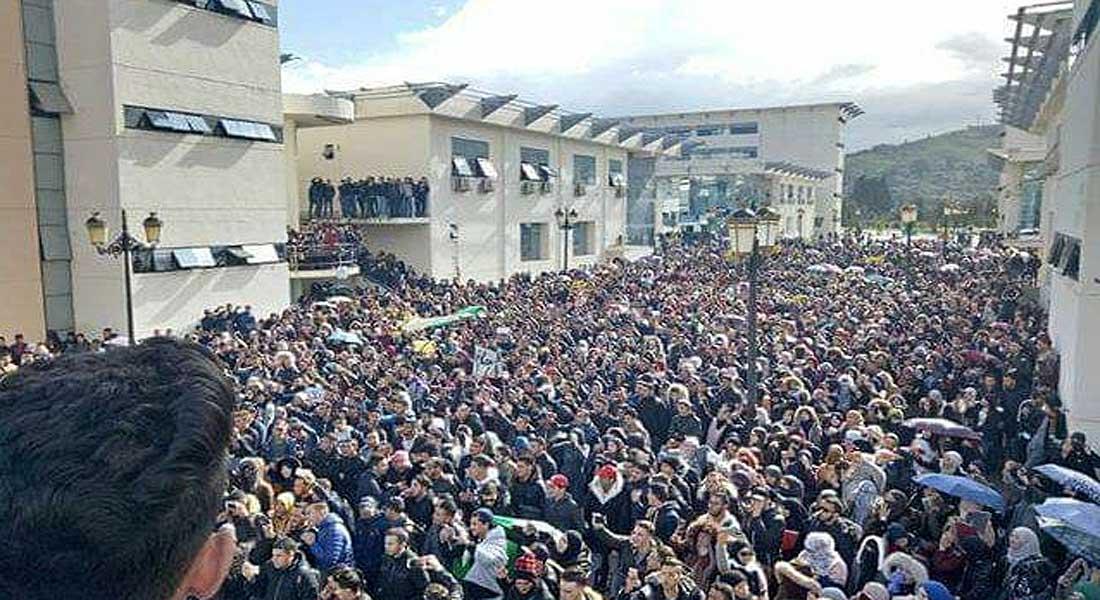 Algérie : les étudiants dans la rue contre le 5 e mandat, et la main mise des prédateurs sur les richesses du pays