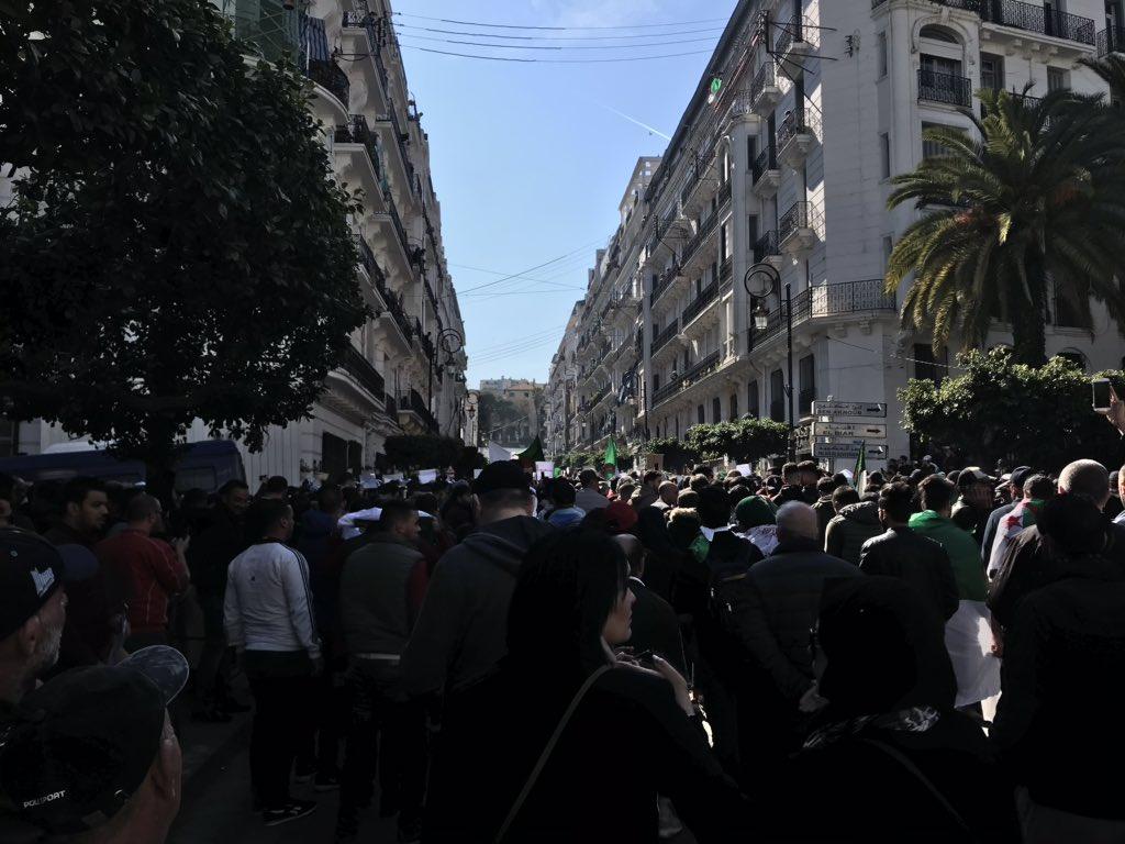 Présidentielles : Quelle réponse du pouvoir face à la grande mobilisation contre le 5 e mandat de Bouteflika ?