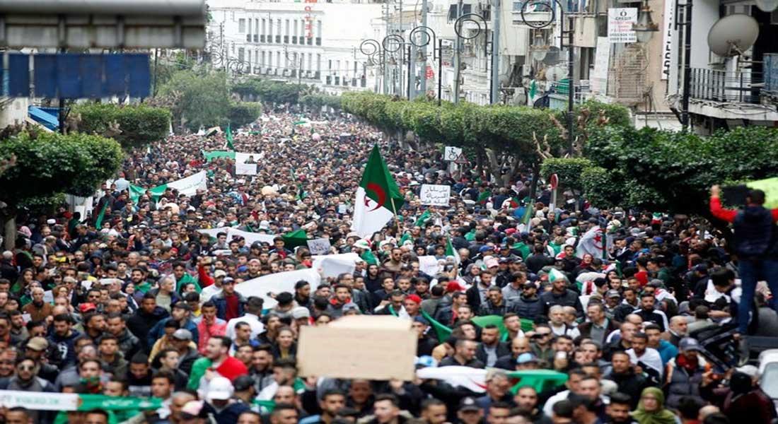 La presse algérienne décrit d'historique, les manifestations de ce vendredi 8 mars contre le 5 e mandat