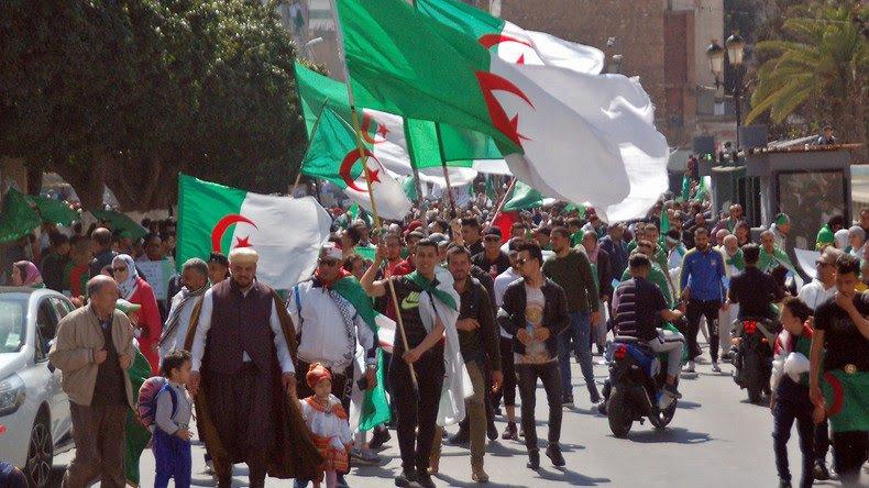 Algérie: 10 e vendredi consécutif de manifestations pour le départ de tout le système