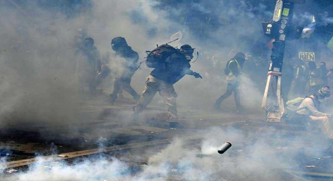 Paris : Des incidents ont éclaté mercredi à Paris entre des militants radicaux et des policiers