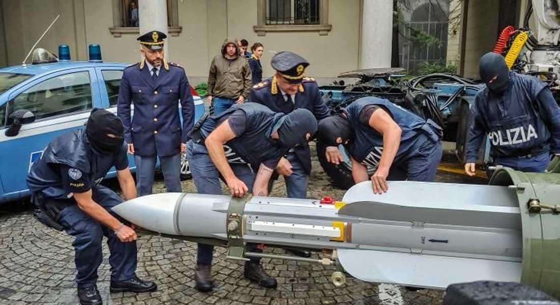 Italie : Un missile air-air et des armes de guerre saisis chez des proches de l'extrême droite