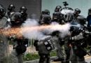 """Hong Kong : La police menace de tirer à balles réelles sur les """"émeutiers"""""""