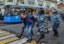 Manifestations à Moscou : le Kremlin justifie la brutalité de la police