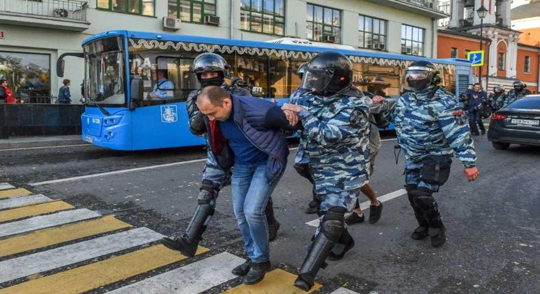 Russie: Suite à son agression des policiers, un Américain condamné à neuf ans de prison