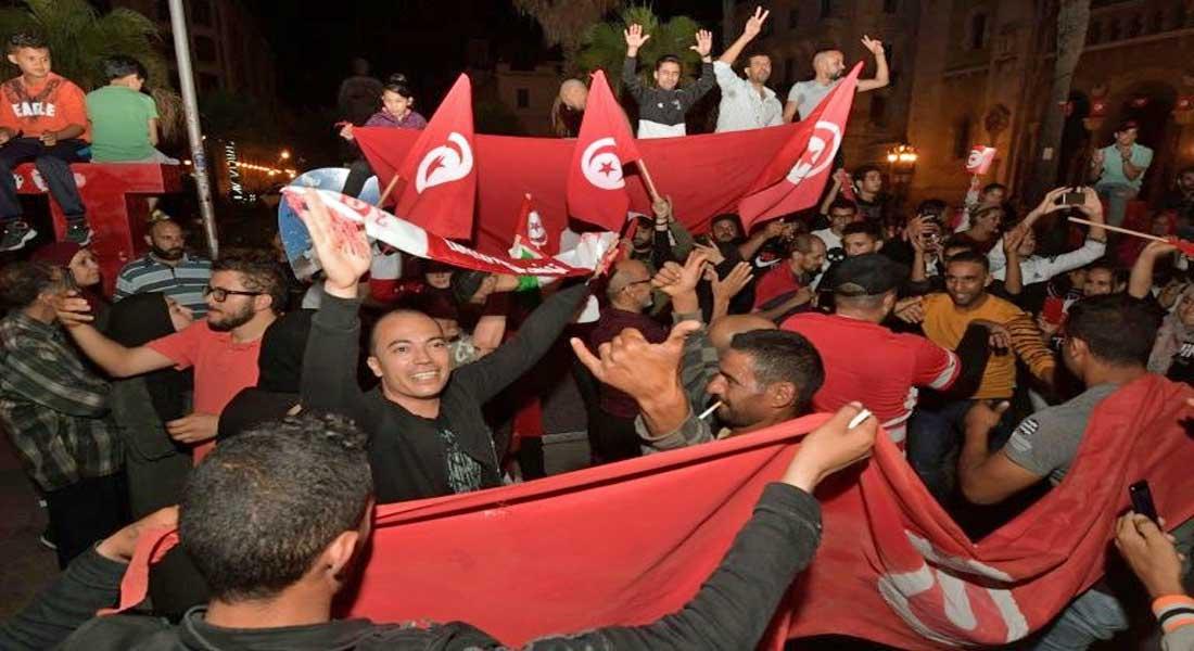 Tunisie: le principal parti mobilise ses partisans dans la rue