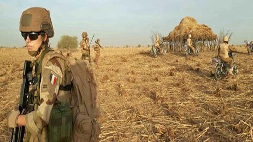 La France renforce l'opération Barkhane à plus de 5.000 hommes pour contrer des jihadistes du Sahel