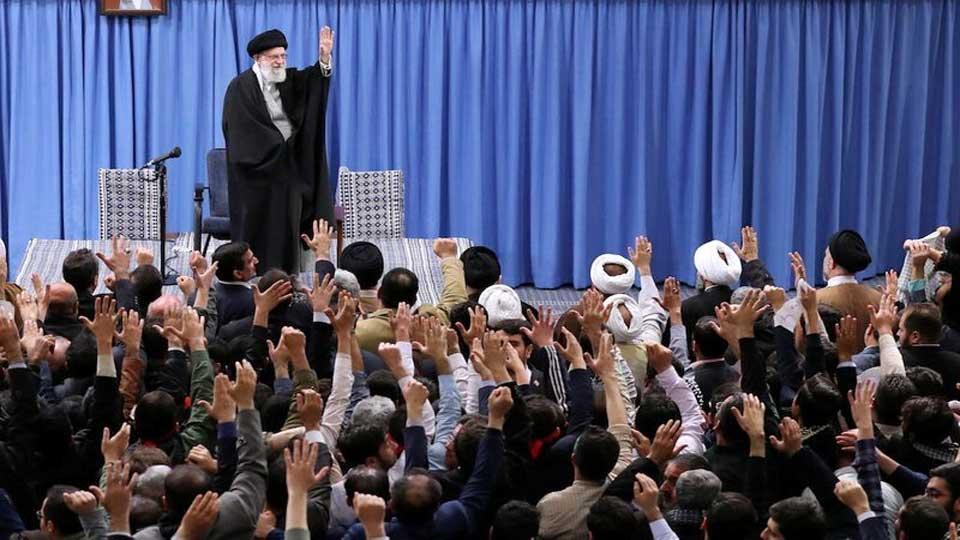 Khamenei appelle l'Iran à développer sa puissance militaire