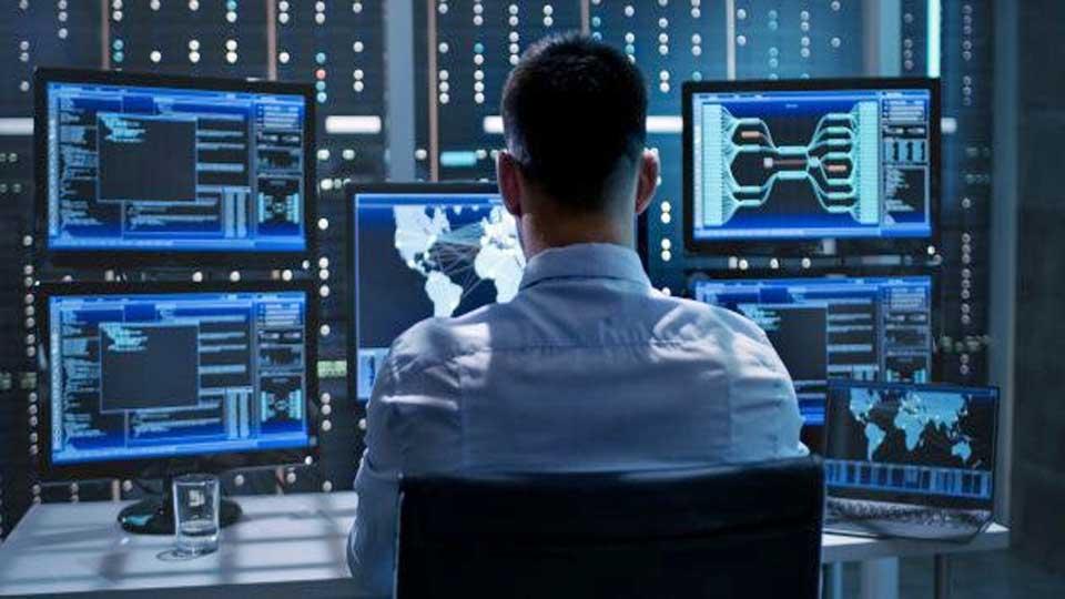 """Cyberattaque """"SolarWinds"""": Selon les services de renseignements US c'est probablement la Russie"""
