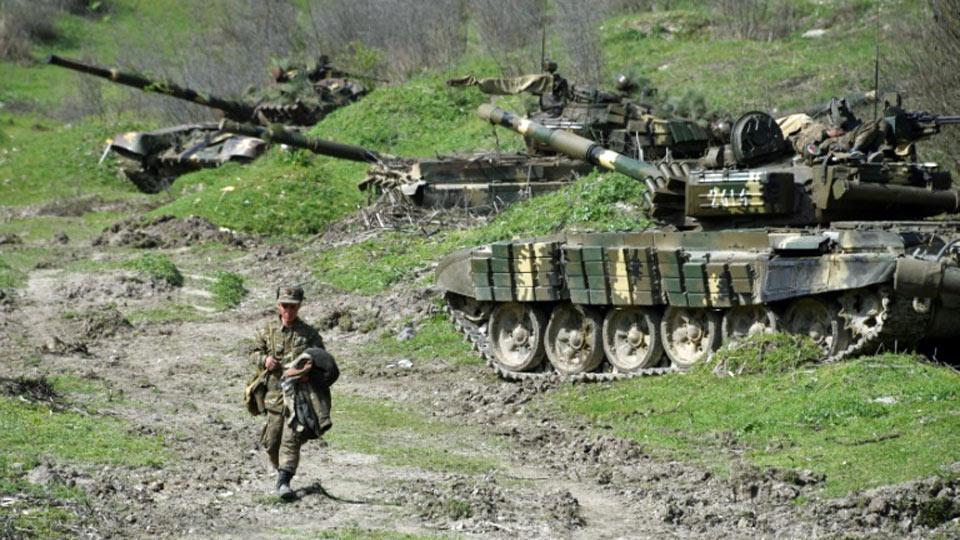 Nagorny Karabakh: les bombardements rendent l'accord de trêve caduc