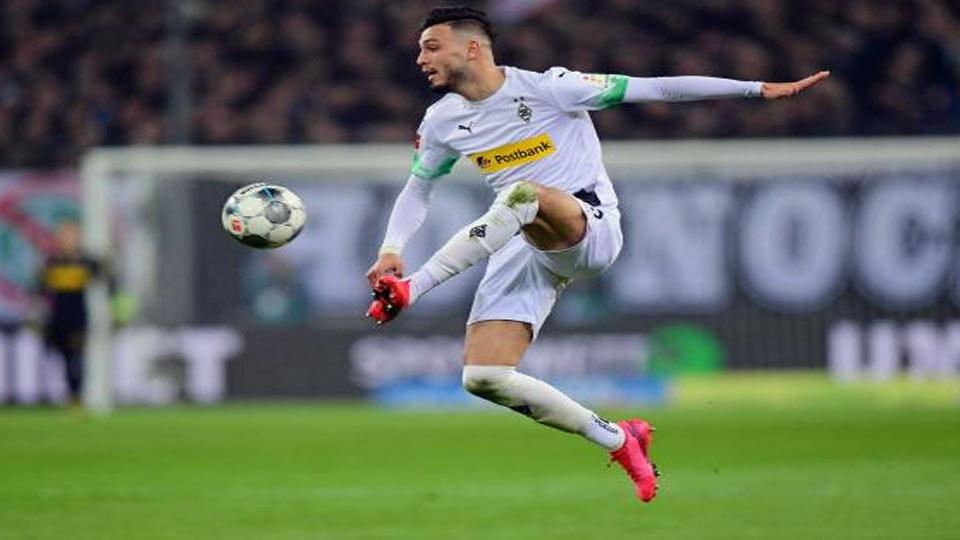 Le but bijou de Bensebaini face à Dortmund