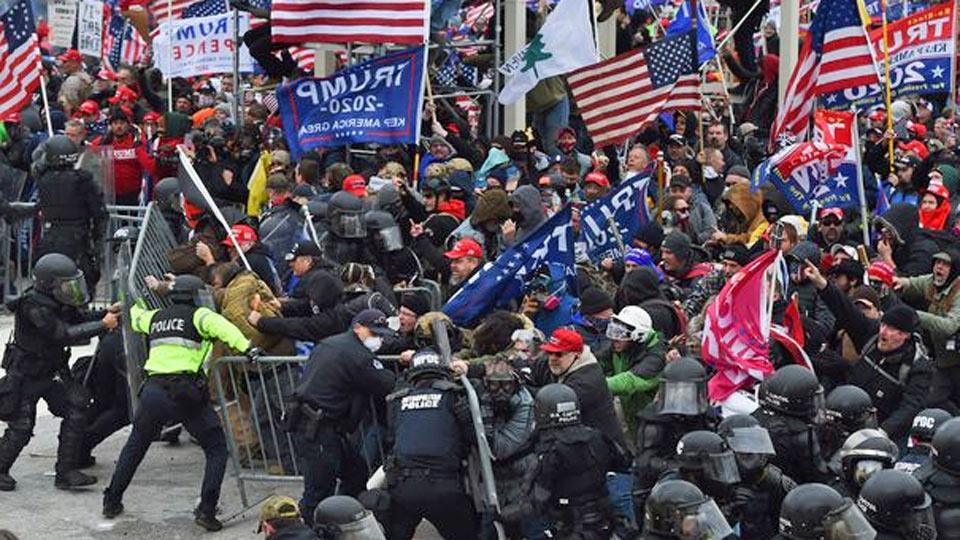 USA: Arrestation de 100 personnes depuis l'assaut du Capitole
