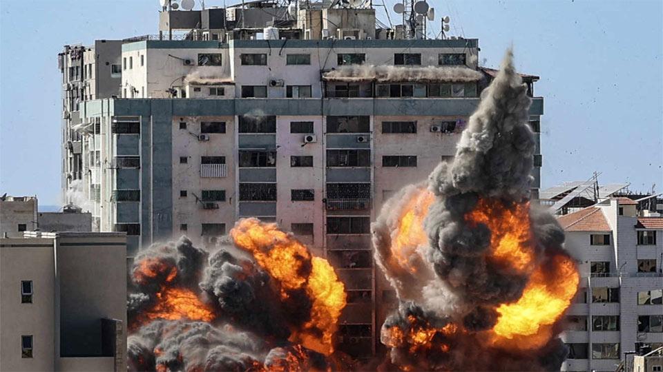 L'armée sioniste frappe l'immeuble d'Al-Jazira et d'Associated Press